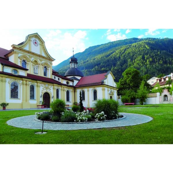Stift Stams & Wallfahrtskirche Maria Locherboden