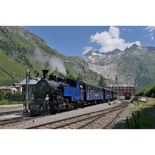 Furka-Bergstrecke mit nostalgischer Dampfbahn